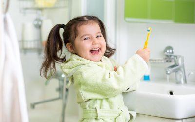 7 Tips Mengajarkan Buah Hati Menjaga Kesehatan Gigi dan Mulut