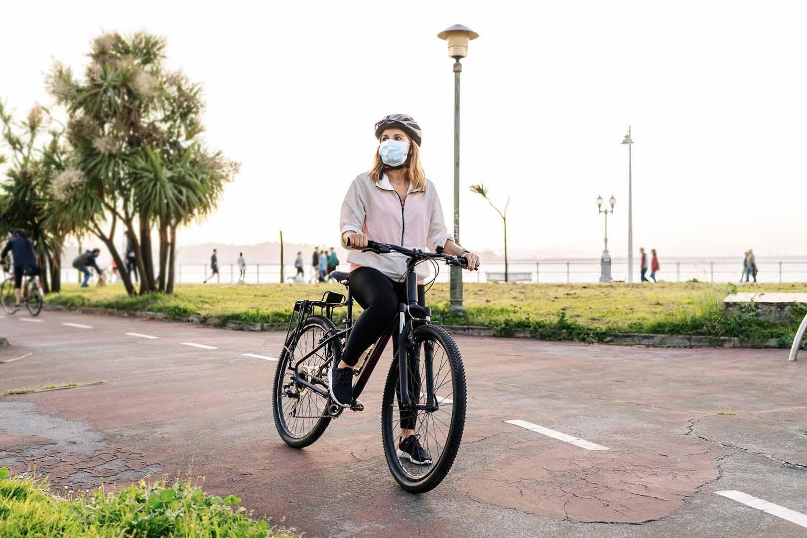 wanita sepeda