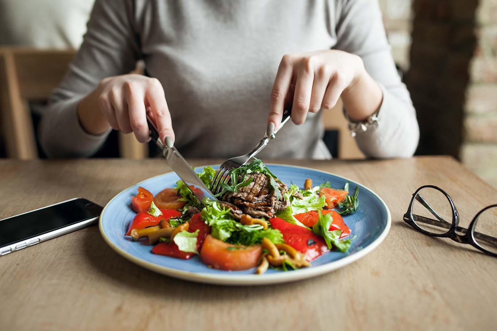 10 Tips Menjaga Pola Makan Sehat Selama Pandemi - Jovee.id
