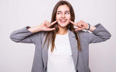 8 Cara Memutihkan Gigi, Mana yang Ampuh?