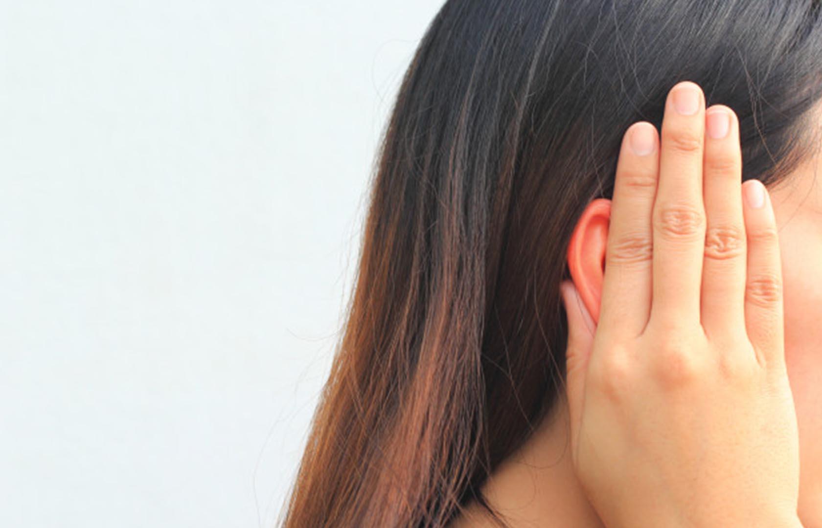penyebab telinga sakit sebelah kanan